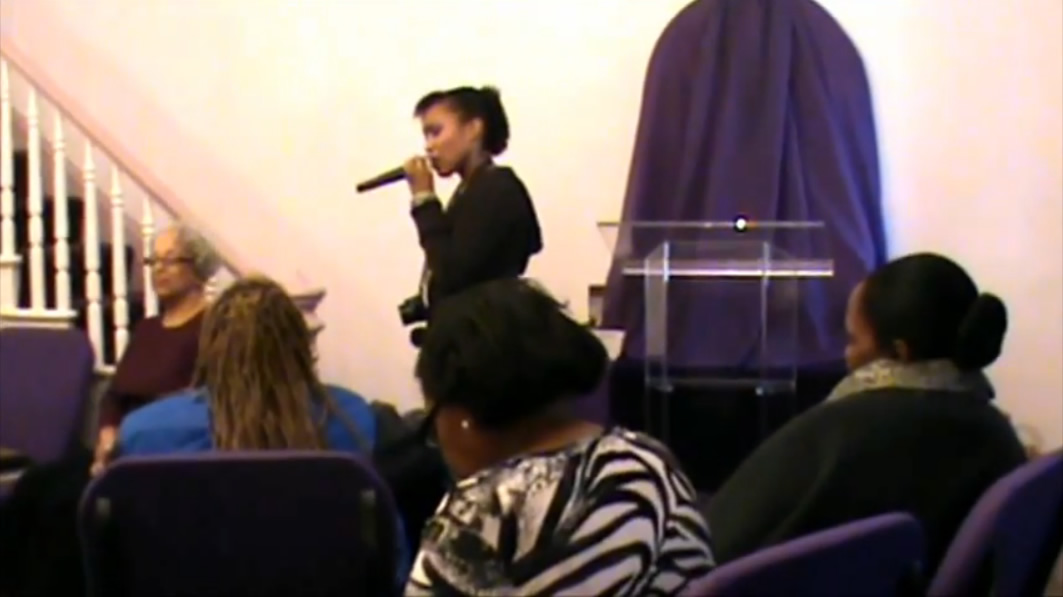 Nia Ministering through Song